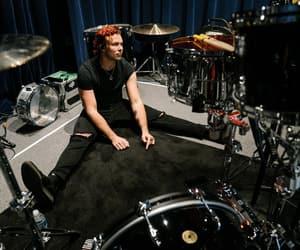 drummer, 5sos, and ashton irwin image