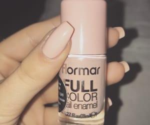 beige, long nails, and nail art image