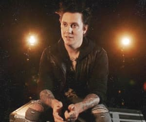 avenged sevenfold, gif, and synyster gates image