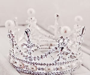 crown, Queen, and rose gold image