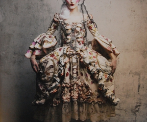 baroque and dior image
