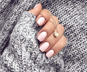 nails and necklace image
