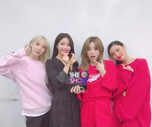 solar, wheein, and 솔라 image