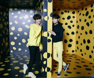 yeonjun and txt image
