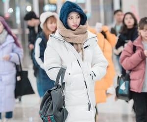 kpop, airport fashion, and doyeon image