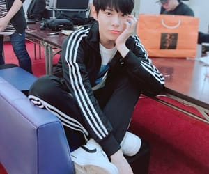 idol, kpop, and doyoung image