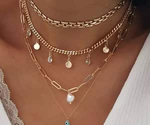 necklaces and layer necklaces image