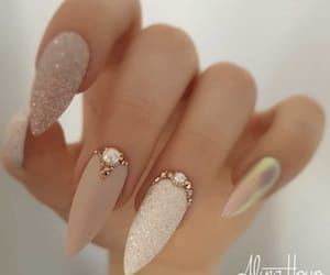 delicate, pearls, and girly image