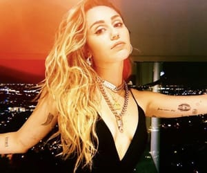 icon and miley cyrus image