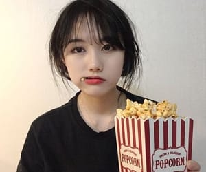 korean, ulzzang, and popcorn image