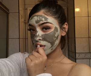 girl and facemask image