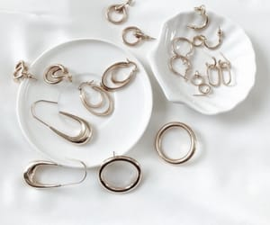 accessories and jewelry image