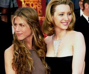 Jennifer Aniston, Lisa Kudrow, and friends image