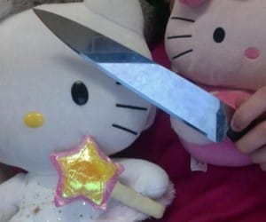 knife and hello kitty image