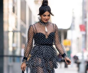chic and outfit image