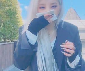 dancer, jiwoo, and jeon image