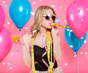 balloon, b'day, and conffettie image