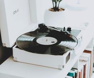 music, wanderingStar, and vinyl image