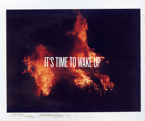 text and wake up image