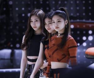 k-pop, itzy, and yeji image