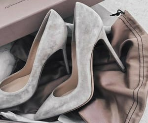high heel, pumps, and 👠 image