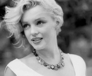 beautiful, marilyn, and blonde image