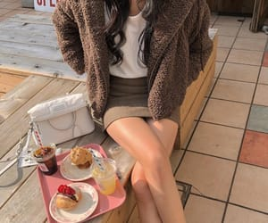 aesthetic, legs, and muffin image