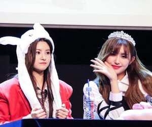 kpop, everglow, and aisha image