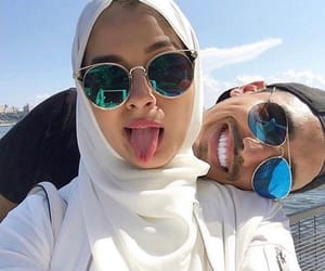 couple, hijab, and lové image