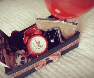 arabic, rouge, and cadeaux image