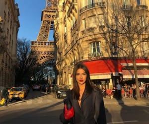 paris and street style image