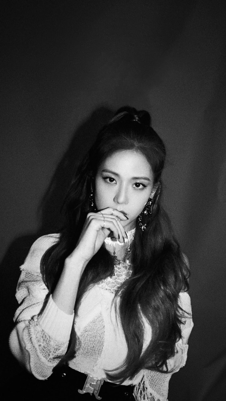 Jisoo Wallpaper Black White Credits To The Owner
