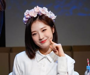 kpop, fansign, and haseul image