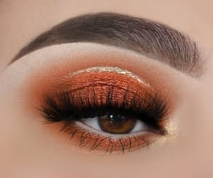 beauty and lashes image