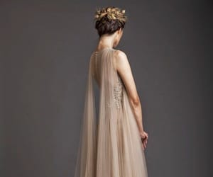 dress, fashion, and Queen image