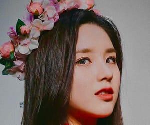 april, crown, and heejin image