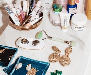accessories, skin care, and coiffeuse image