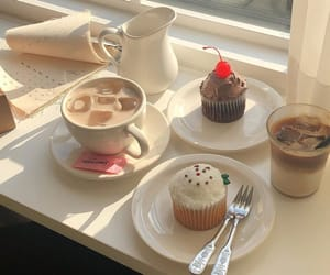 aesthetic, food, and cupcake image