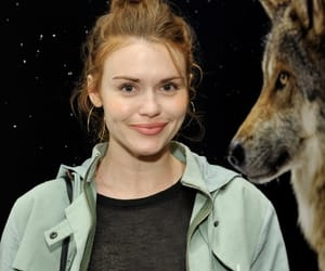 holland roden and teen wolf cast image