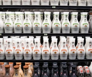 almond milk, grocery shopping, and califia image
