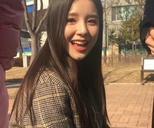 heejin, loona, and kpop image