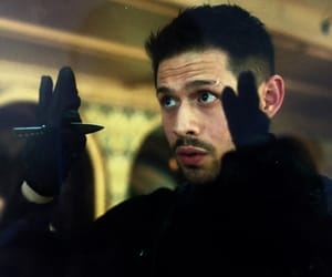 Umbrella Academy, the umbrella academy, and diego hargreeves image