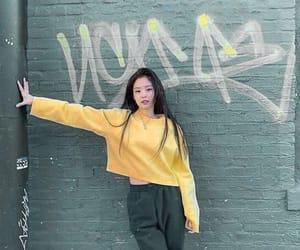 girl, kpop, and jennie image
