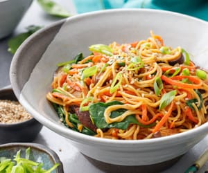 food, pasta, and stir fry image