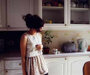 girl, kitchen, and vintage image