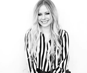 Avril Lavigne and blacn and white image