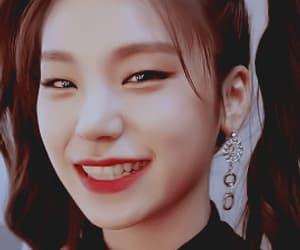 gif, girl, and hwang yeji image