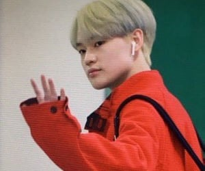 airport, new hair, and nct image