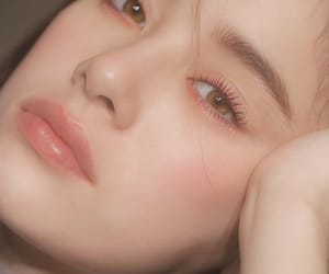 beauty, makeup, and lashes image
