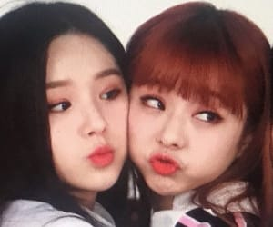 kpop, heejin, and viví image